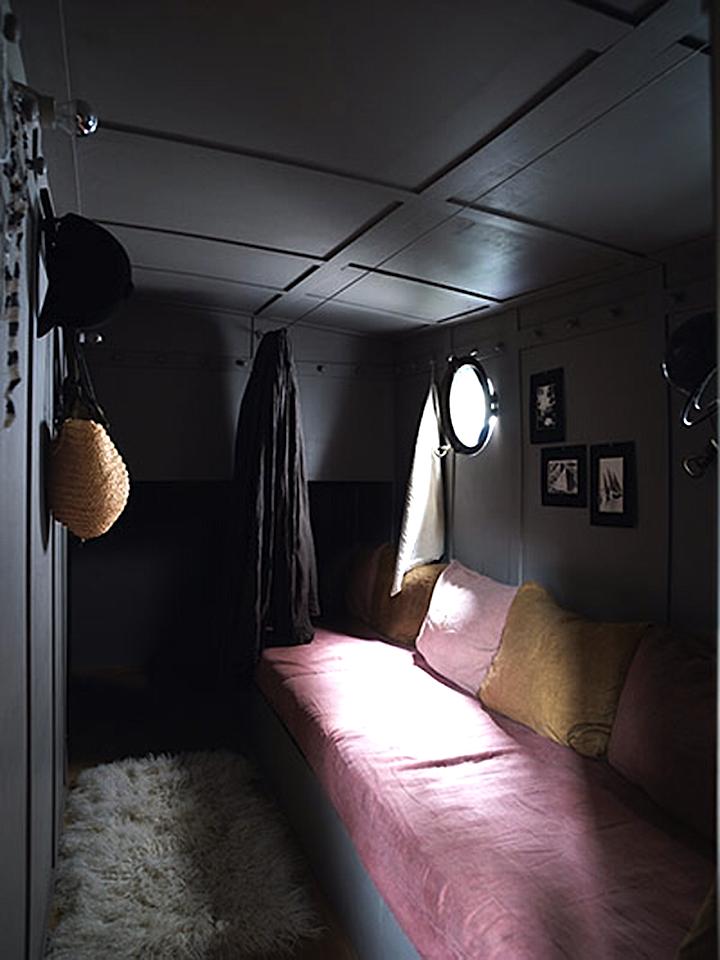 houseboat 3